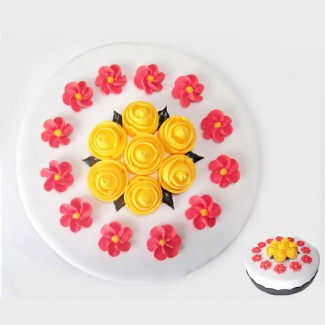 Rounded Cake Flowers Bouquet